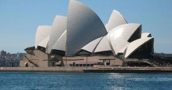 https://www.google.com.au/search?hl=en&site=imghp&tbm=isch&source=hp&biw=1366&bih=635&q=rts+and+Crafts++movement+Australian+Californian+Bungalow&oq=rts+and+Crafts++movement+Australian+Californian+Bungalow&gs_l=img.12...245.245.0.14986.1.1.0.0.0.0.319.319.3-1.1.0....0...1ac.1.64.img..0.0.0.HS6_0zpPnhg#safe=active&hl=en&tbm=isch&q=History+Modernism++Modernist+interiors+%26++architecture+in+Australia&imgrc=_XzDRZcrqT4BLM%3A