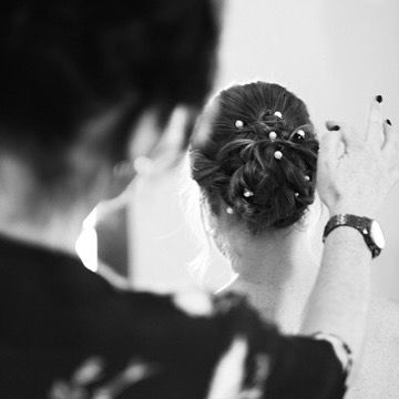 Beautiful hair & makeup for @carlalewis1 for her wedding in @peckfortoncastle classic hair updo with glowing fresh skin making it all about the eyes. . . . #summerwedding #bride #bridal #bridetobe #boho #bohobride #coolbride #bridalstyle #thedresstheory #wedding #weddingdress #weddingown #bridalgown #weddingideas #weddinginspiration #weddingstyle #colletteruddy #charlottetilbury #nars #lauramercier #oribe #fudgehair