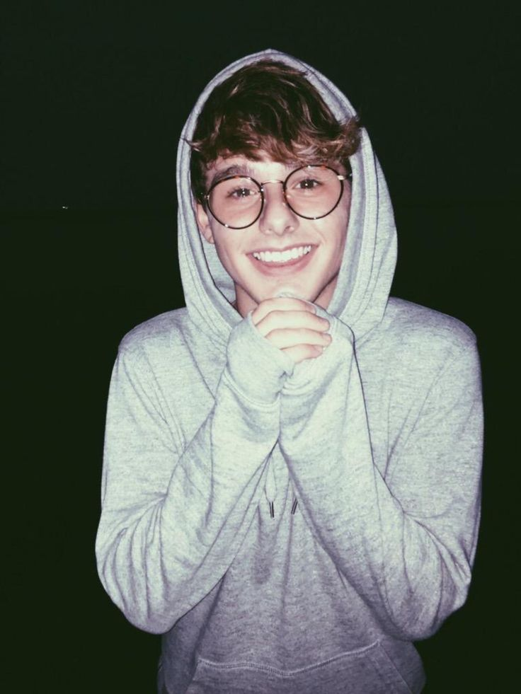 "((FC:Mikey Murphy)) ""Haii, I'm Caleb. I'm 21 from Wisconsin, I haven't really ever dated anyone really, I'm a weird little bean, but I love myself, and I hope I can find someone to love me."