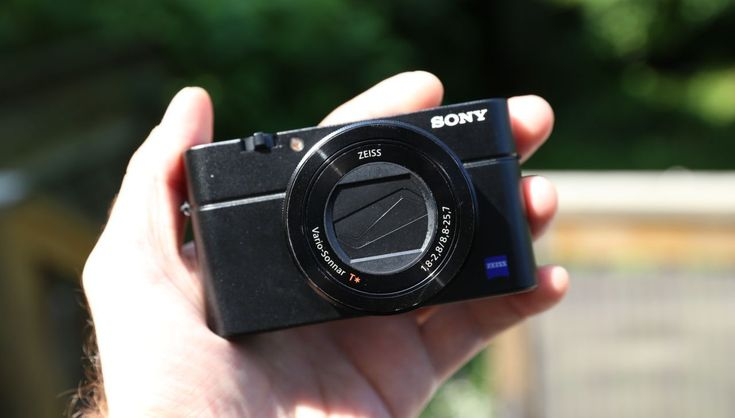 Best Compact Cameras Under $1000 - Buying Guide   https://dslrcamerasearch.com/best-compact-cameras-under-1000/ Taking pictures has been part of our day to day life. People go around to make their excellent selfies and post it to their Instagram or Facebook acco...  https://dslrcamerasearch.com/best-compact-cameras-under-1000/