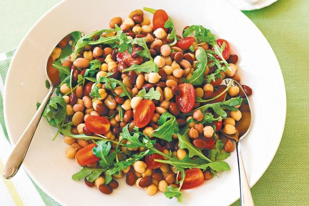 Bean and Rocket Salad (with dressing)
