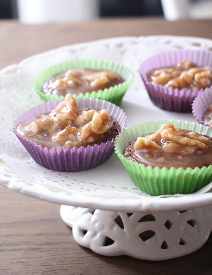 Sunne sjokolademuffins med karamelliserte valnøtter