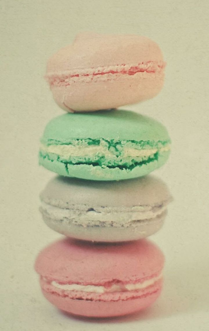 Macaroons wallpaper pinterest macaroons - Macaron iphone wallpaper ...