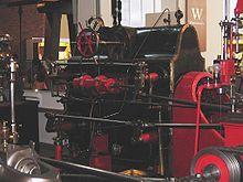 Corliss motorer har fire ventiler for hver sylinder, med damp og eksos ventiler på hver ende. Corliss motorer innlemme forskjellige forbedringer i begge ventilene seg og ventil utstyret, at systemet sammenhengene som opererer ventilene. Bruk av separate ventiler for opptak og eksos betyr at ventilene verken steam passasjer mellom sylindere og ventiler må endre temperaturen under makt og eksos syklus...