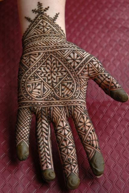 Berber design mehndi, from Sukina Pilgrim