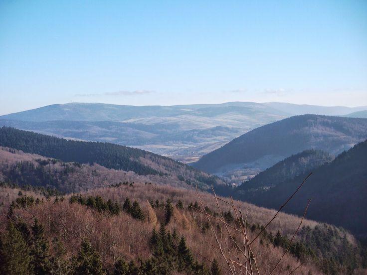 Góry Sowie (Polska). Szczególnie warto zwiedzić zamknięte kopalnie, czynne obecnie jako muzea w Nowej Rudzie, czy też słynne podziemne sztolnie hitlerowskie projektu Riese, Twierdzę Srebrnogórską, zaporę w Lubachowie, wiadukt w Głuszycy, wiadukt w Zdrojowisku, wiadukt w Nowej Rudzie, zamek w Nowej Rudzie. Zdjęcie z blogu o tajemnicach Riese: http://moje-riese.blogspot.com
