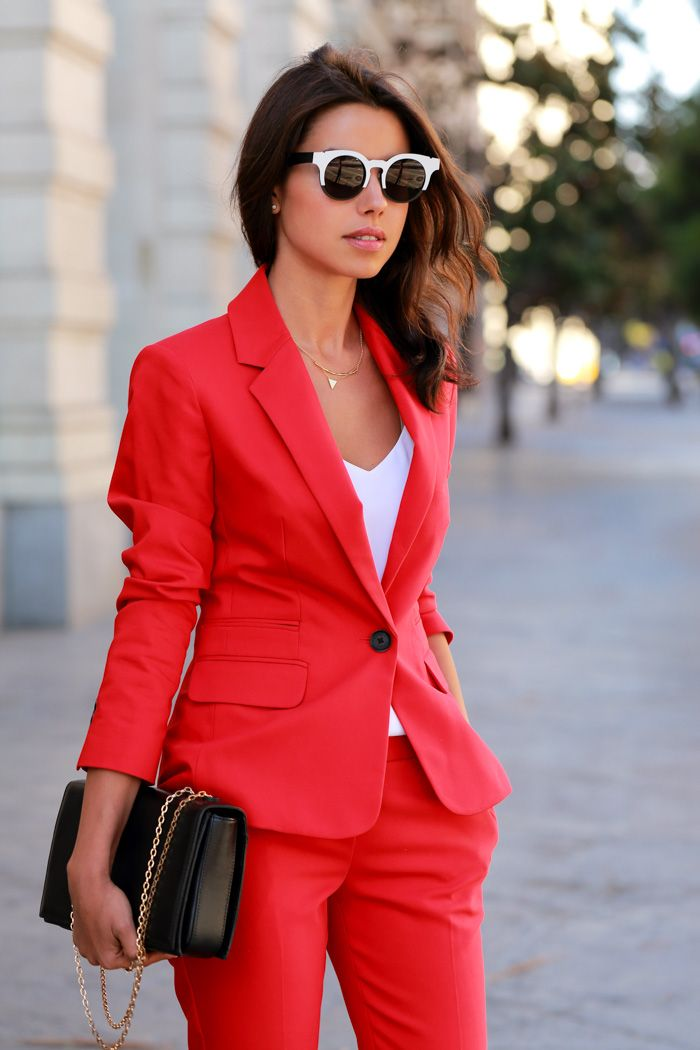 VIVALUXURY - FASHION BLOG BY ANNABELLE FLEUR: THE POWER RED