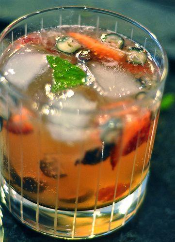 Strawberry Blueberry Mint Spritzer | BEVERAGES | Pinterest