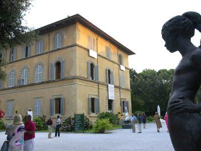 Hotel Palazzo - 20 pax - Pietrasanta, Lucca... http://www.ciaoitalyvillas.com/