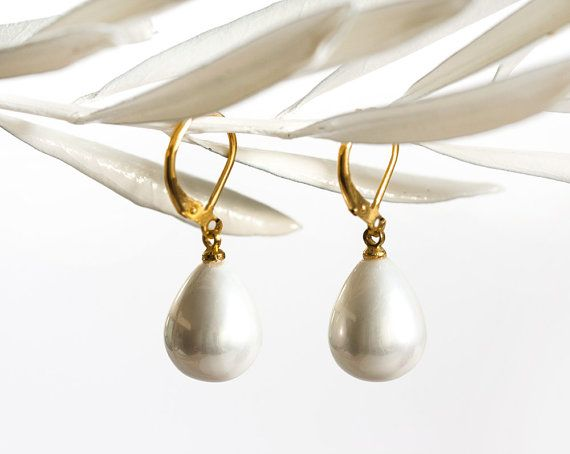 18842_Earring mother of pearl 12x15 mm,Gold plated earring,White mother of pearl,Bridesmaid gift,Drop mother of pearls,Bridal earrings_1pair