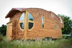 off grid rent free housing, off grid housing, buy off grid house, off grid tiny homes, life off the grid in a tiny house, tiny mobile home, zero energy tiny home, Wohnwagon, Ark Shelter off grid, Koda off grid, EcoCapsule home, Moon Dragon tiny home, POD-Idladla house, Walden Studio house, sustainable off grid house,