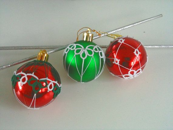 Tatted Christmas decoration by CorinaMeyfeldt on Etsy, €3.00
