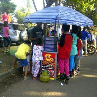Sosis bakar tyson saat bazaar :)