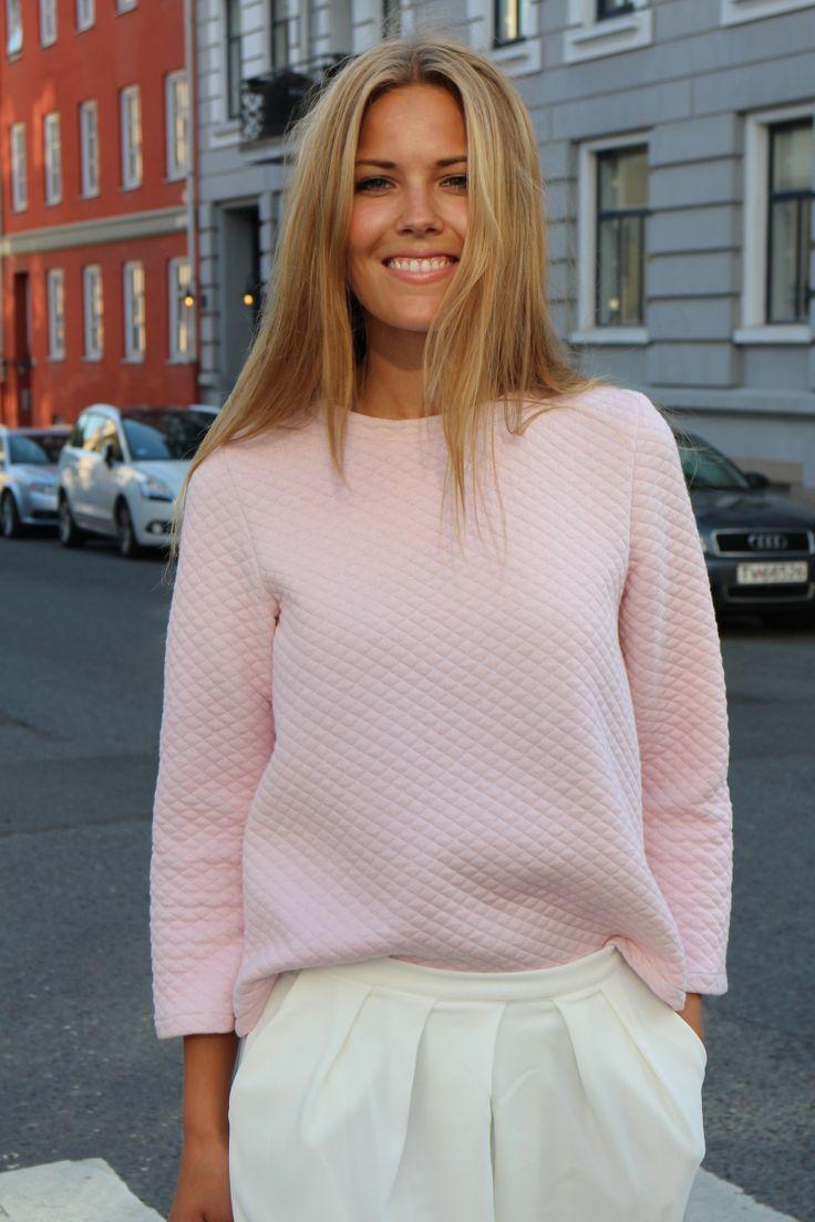 SY DET SELV - Vi er to jenter som syr klær, og ønsker å inspirere andre til å gjøre det samme!