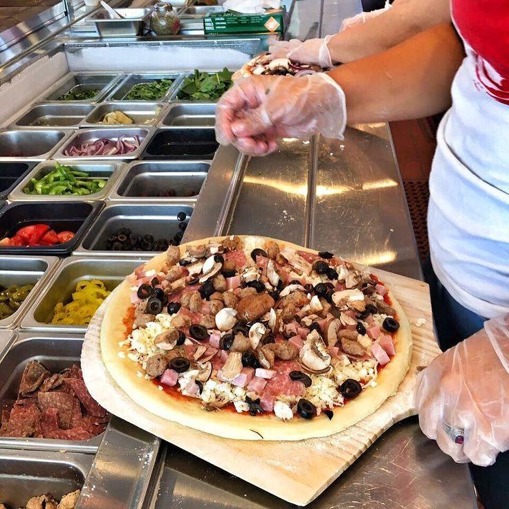 The assembly line!! #pizza #kreate #kreatepizza #kreateglendale #whatwillyoukreate #northhollywood #highlandpark #glendale #silverlake #pizzalove #pizzaporn #pizzatime #foodie #foodgasm #foodporn #eat #eater #losangeles #california #eaglerock #goodeats #burbank #calzone #calzonepizza #nutella #banana #nutellapizza #hawaiian