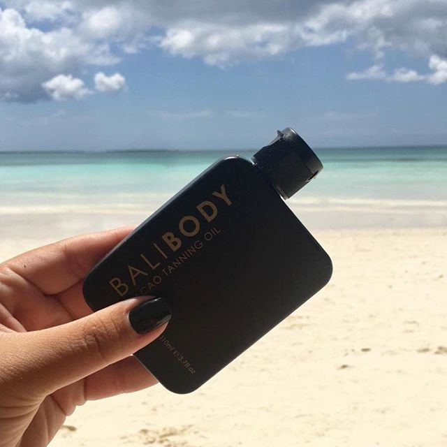 Instant. Tan. Naturally 🌴💦🍫 For an instant bronzed glow shop our Cacao Tanning Oil. BB Cacao is the ultimate travel essential! Our natural tanning oil provides the perfect hint of tint 🍫 SHOP NOW FREE SHIPPING to USA UK CA AUST EURO ISRAEL NZ SG HK 👌🏼 #balibody