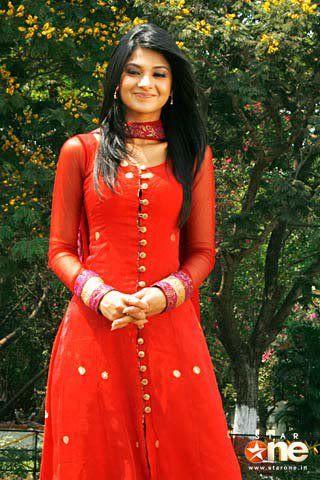 Salwar Kameez with Star Plus Actress   THE SERIAL DESIGNER