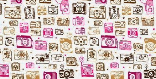 Están muy de moda las viejas cámaras de fotos y por eso he encontrado estos simpáticos estampados ( en uno de ellos he invertido los colores...