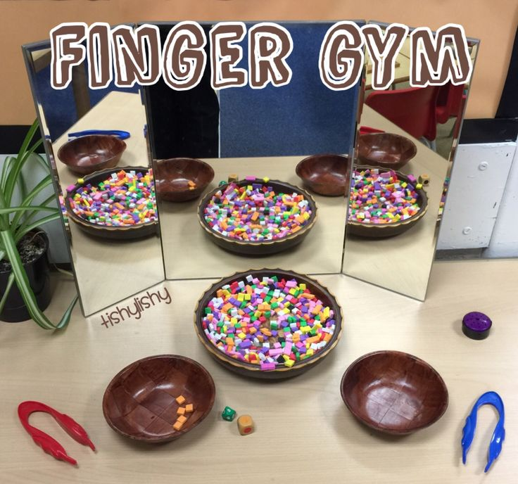Finger Gym. Roll the dice to see how many. Roll the dice to find the colour.