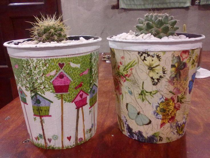 cactus macetas recicladas de grido helado .decoupage