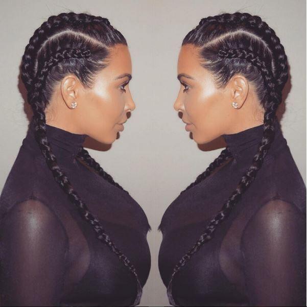 Kim Kardashian foi uma das primeiras a lançar a moda das tranças embutidas