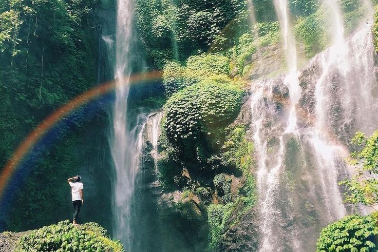 Great Escape: The Best Travel Instagrams Of The Week [28.12.16] - #Alberta, #Antigua, #Aruba, #BanffNationalPark, #Beijing, #Bohol, #Bremen, #California, #Canada, #China, #CzechRepublic, #Dubai, #Finland, #France, #FrenchPolynesia, #Germany, #Greece, #Indonesia, #Instagram, #Italy, #LagoDiTovel, #LakeMinnewanka, #Lapland, #LosAngeles, #Moscow, #Oia, #Oregon, #Philippines, #Photography, #Portland, #Prague, #RedSquare, #Russia, #Santorini, #Schäfler, #Switzerland, #Tahiti, #Te