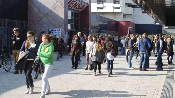 Statistisches Jahrbuch: Bremen wächst um 10.000 Einwohner. Bild: Reineking https://www.kreiszeitung.de/lokales/bremen/mehr-autos-weniger-seefisch-7128295.html #Bremen