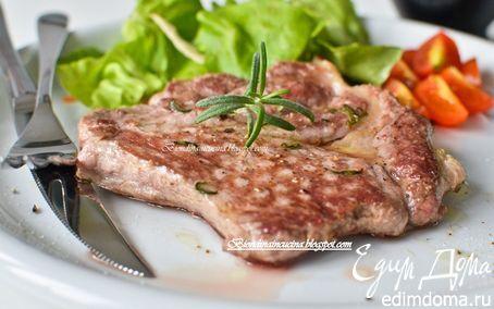 Стейк в маринаде из розмарина и чеснока | Кулинарные рецепты от «Едим дома!»
