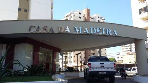 Apartamento Casa da Madeira Caldas Novas Situated 1 km from SESC - Social Service of Comercial in Caldas Novas, this apartment features a balcony with pool views. The property is 1.3 km from Caldas Novas Yatch Club and free private parking is offered.