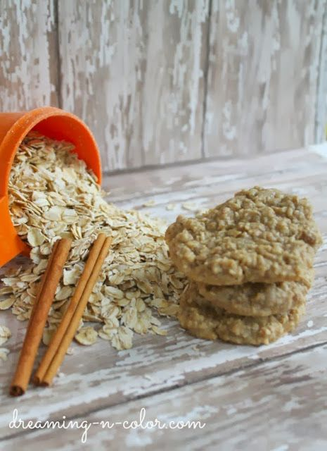 dreamingincolor: Old Fashioned Oatmeal Cookies