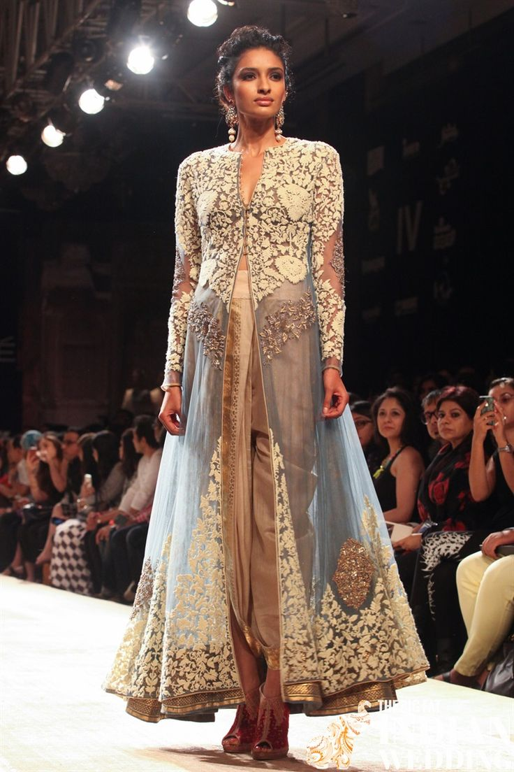 Anju Modi brings her Manikarnika bridal collection to Lakme Fashion Week.  We already saw the debut of wedding outfits at India Couture Week but this time we get to see more details of the dresses.  The historic paintings from the caves of Ajanta and Ellora along with Khajuraho sculptures served as the base of Anju inspiration for her Mahikarnika wedding  [...]