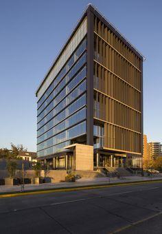 Gallery of Office Building Kennedy-Wisconsin / Alemparte-Morelli y Asociados Arquitectos - 6