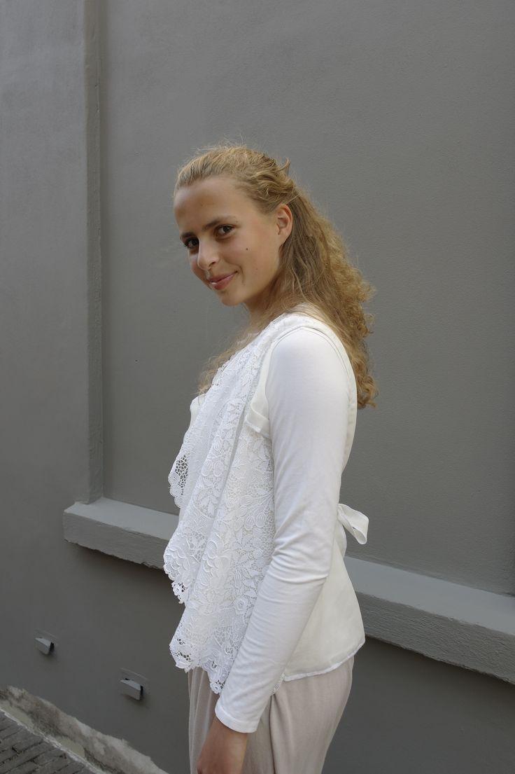 Gilet van antiek kant, Saskia ter Welle www.saskiaterwelle.com