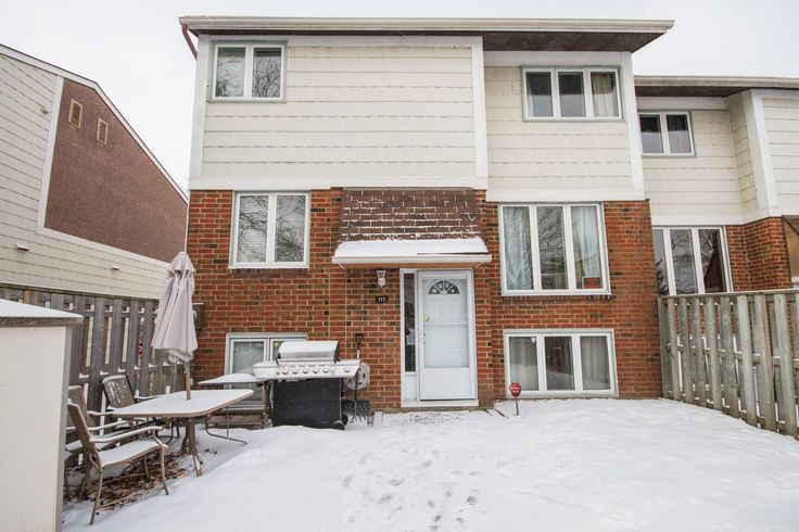 Attn 1st time buyers and investors - DREAM town home located steps to shopping, transit, parks and Centrum Plaza. Stylish renovations, with high quality finishes! This home is totally unique, like you. Do you prefer that low maintenance and on the go lifestyle? Why rent? Great proximity to Silicon Valley North... excellent rental for a busy career technology sector. #ottcity #ottrealestate #bennettpros #investors
