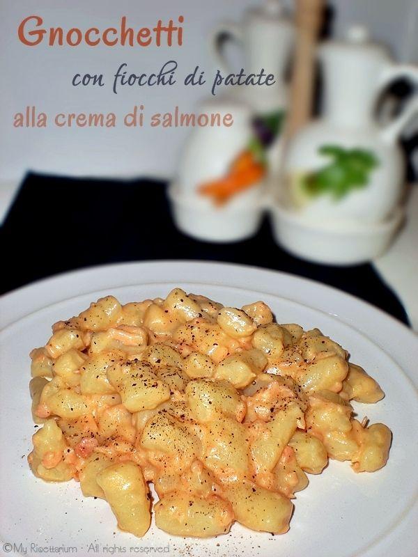Gnocchetti con fiocchi di patate alla crema di salmone