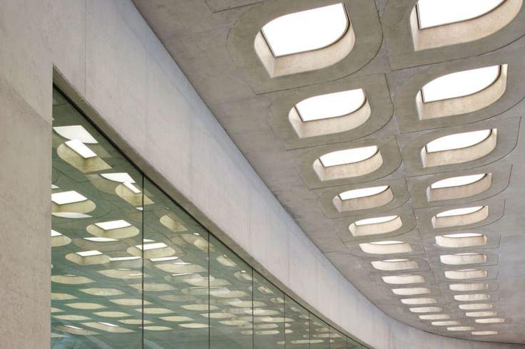 Zaha Hadid Architects, Hufton + Crow · London Aquatic Centre