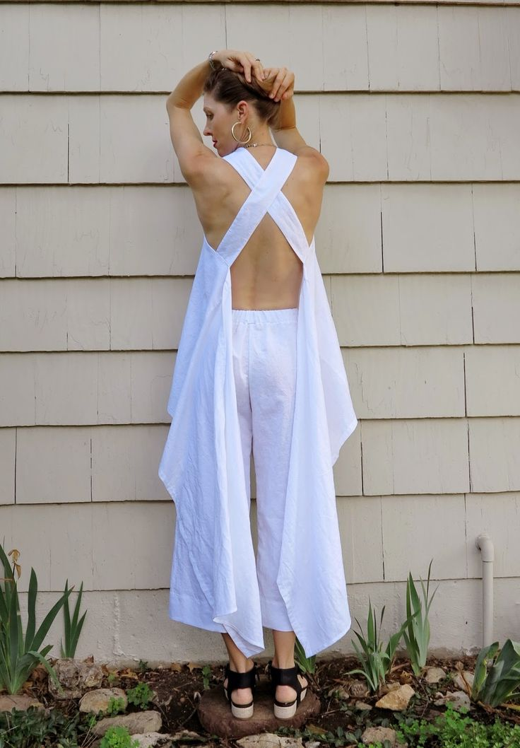 I needa' make this! GORG! Lily Sage & Co: White linen pinafore and Vogue 1347: DIY (a sort of tutorial)