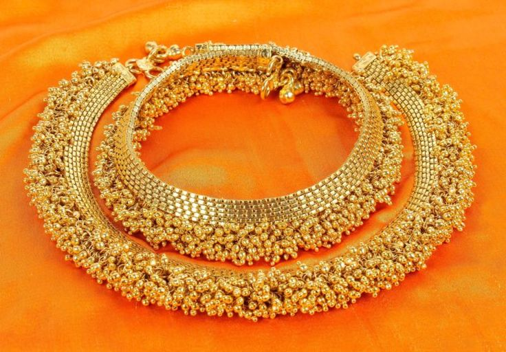 PL-28 Pair of Bollywood Designer Bridal Gold Plated/Tone Indian Anklets Payal