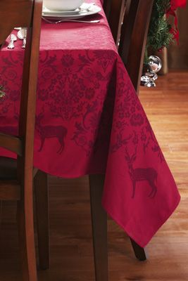 Jacquard Holiday Tablecloth - Elegant Deer and Holly design: Party'S Holidays Ideas, Holidays Seasons Decor, Deer Holidays, Jacquard Holidays, Parties Holidays Ideas, Holidays Entertainment, Holidays Tablecloths, Elegant Holidays
