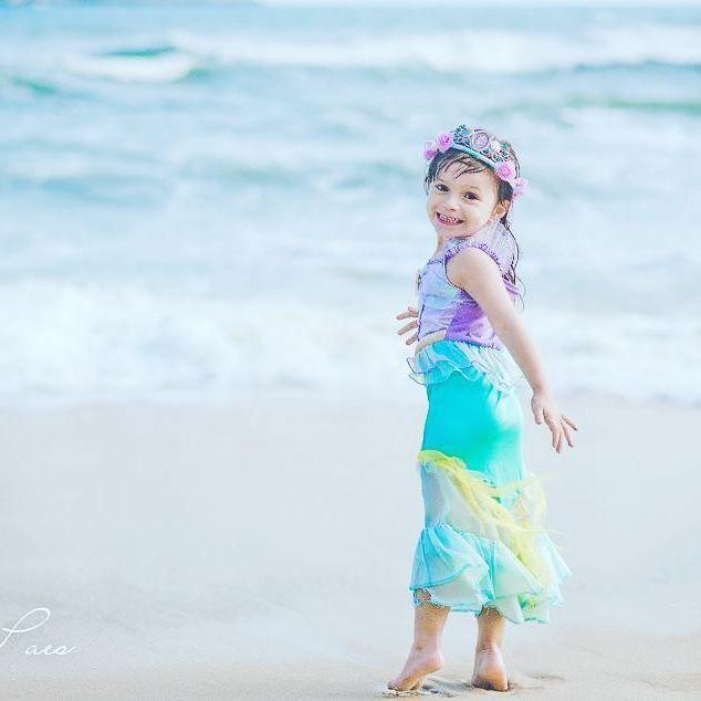 """""""Meus dedos franzidos não vou me importar  E nem meus cabelos vou ter de pentear  No momento realizei tudo aquilo que tanto sonhei  Pra mamãe eu diria que o mar é meu lar  Num momento ou pra sempre sou do mar!""""  (A Pequena Sereia)    Eu te entendo, Catarina! ❤    #kids #kid #instakids #andreapaes #child #children #young #sweet #pretty #handsome #little #childrenphoto #love #cute #adorable #instagood #photooftheday #fun #family #baby #ensaio #play #happy #smile #instacute"""