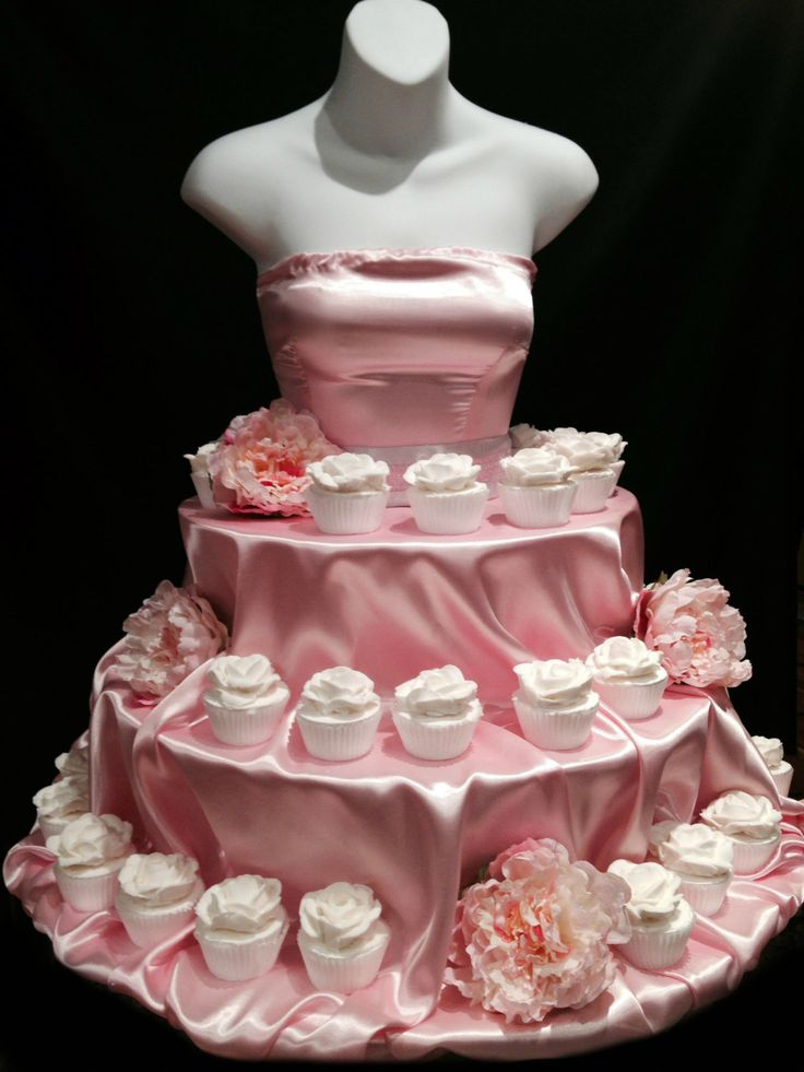 Pink Couture cupcake stand por theEventFairy en Etsy, $200,00