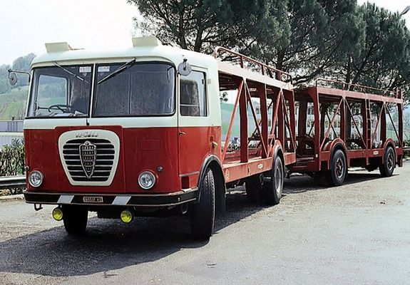 Alfa Romeo Mille Bisarca Bartoletti (1963–1964) car hauler, notice full trailer with trailer steering