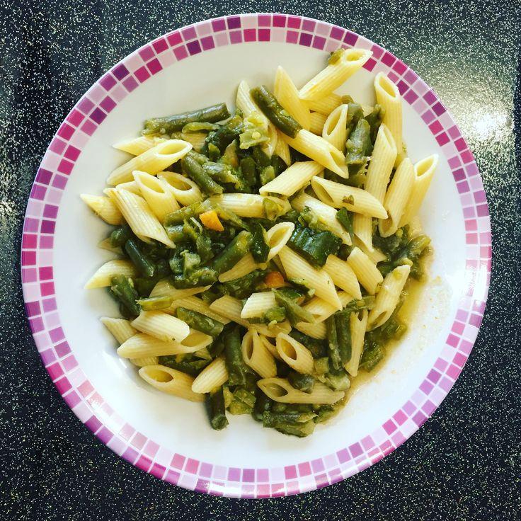 Buon appetito...pasta fagiolini e zucchine 😋 #buonappetito #bellezzaprecaria #pasta #lunch #food #instafood #foodporn #zucchini #fagiolini #food #foodlover #foodlovers #kitchen #cucina