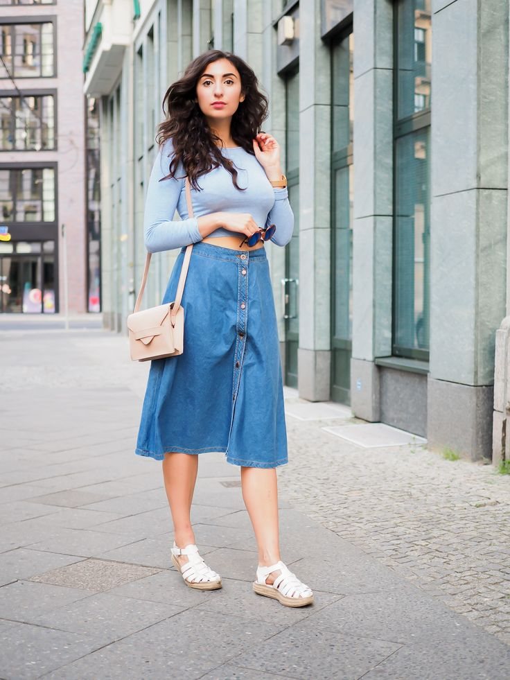 denim midi skirt bershka streetstyle crop top berlin casual blogger outfit sommer summer samieze. Black Bedroom Furniture Sets. Home Design Ideas