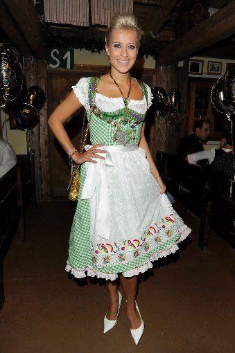 449 beste afbeeldingen over People - Dirndl dresses op ...