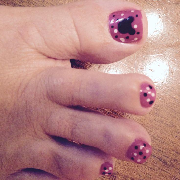 Disney Toes using nail paint pens