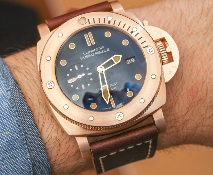 We go Hands-On with one of the favorites for Panerai collectors - New Panerai Luminor Submersible 1950 3 Days Automatic Bronzo PAM 671. Explore the 1000-piece limited edition in the newest article...  Read our Hands-On: http://www.ablogtowatch.com/panerai-luminor-submersible-1950-3-days-automatic-bronzo-pam-671-watch/