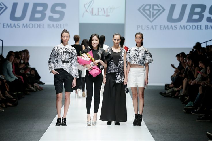 Smile of Disguise   #jfw2016 #lpm2015 #jakartafashionweek2016   Designer : Melody Utomo Putri (@melodyutomoputri)  Brand : Livens Luna (@Livensluna)  #fashiondesigner #fashionshow #highfashion #digiprint #digitalprint #pattern #textile #indonesiadesigner #vscocam #vscophile #vsco #instafashion #l4l #f4f #swag #readytowear #runway #model #catwalk #instanesia #doubletap #fabric #teamlikeback #youcantsitwithus