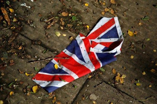 Άγγλος, Γάλλος... Πορτογάλος! Όποιος θέλει υπογράφει στην αίτηση για την επανάληψη του βρετανικού δημοψηφίσματος μετά το Brexit!