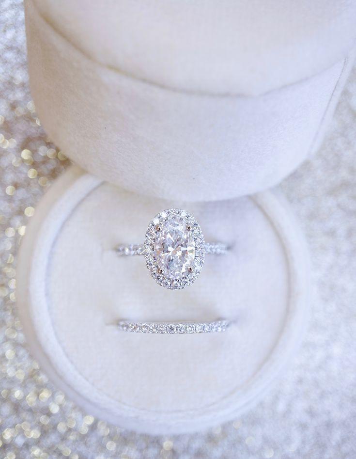 Bague de fiançailles en diamant avec halo ovale et alliance – Hochzeit